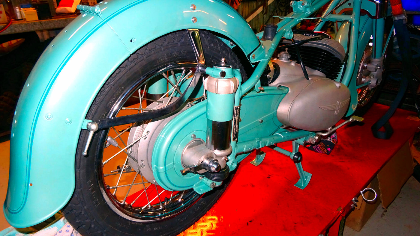 http://www.adlerbike.com/adlerbike/images/10AdlerMB250.JPG